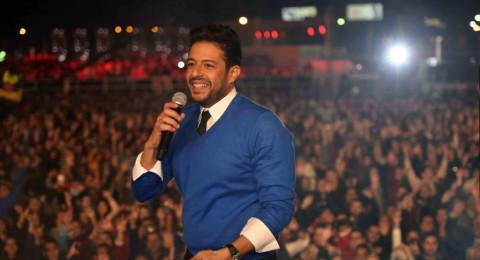 جمهور محمد حماقي في دبي يغني له بمناسبة عيد ميلاده
