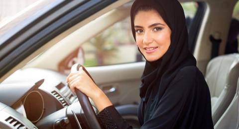 السعودية ستسمح للعوائل والنساء بدخول ملاعب كرة القدم