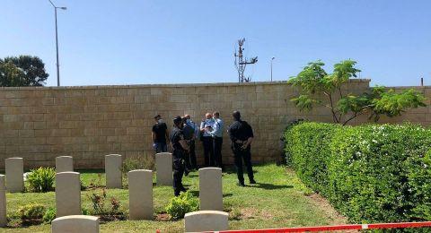 شبهات: شاب وزوجته من حيفا، تسببا بوفاة طفلتهما الرضيعة وتركاها في المقبرة