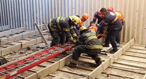 حادثتا عمل منفصلتين: سقوط عاملين عن ارتفاع أثناء عملهما في ديمونا ورعنانا
