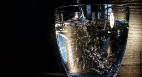 كم كوب ماء يجب أن نشرب يوميا؟