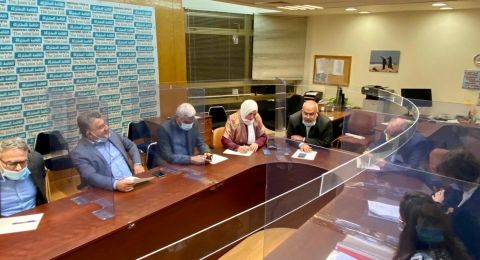 نواب المشتركة يناقشون موضوع خريجي العمل الاجتماعي من الجامعات الفلسطينية والأردن