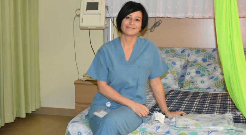 القابلة رانية سكس منسى: هنالك فروق بالوعي بين النساء العربيات وغيرهن في موضوع الولادة