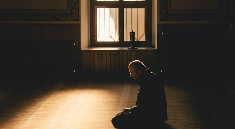 ما حكم ارتداء الكمامة فى الصلاة خوفا من الإصابة بعدوى كورونا؟