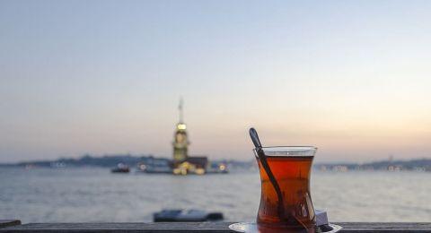 بهدف جذب المزيد من السائحين .. سوق جديد لثقافة تناول الشاي التركي في ريزه