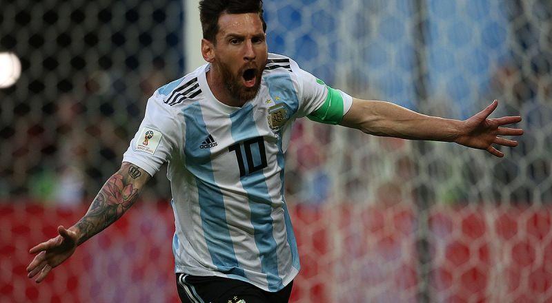 ميسي ملك الركلات الحرة في العقد الأخير Bb01200px-Messi_vs_Nigeria1
