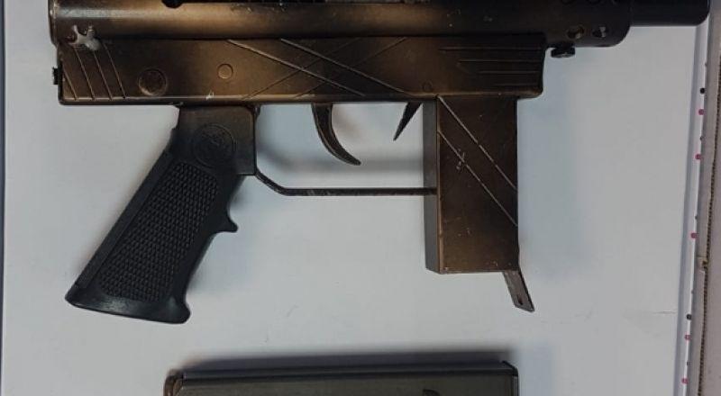 جت: العثور على سلاح واعتقال شخص