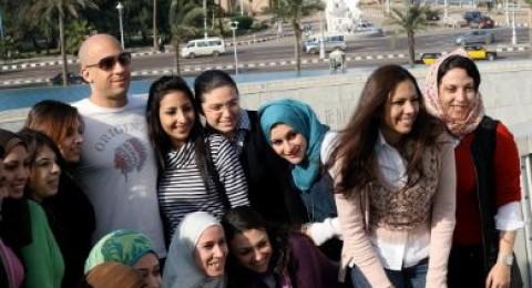 ماذا يفعل فين ديزيل أمام بحر الإسكندرية؟