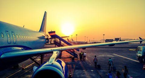 شركة طيران تقدم مكافآت وخصومات للمسافرين الحاصلين على لقاح كورونا