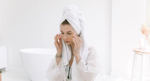 إغلاق مسام الوجه بعد البخار
