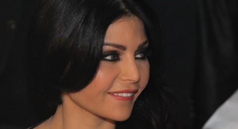 هكذا شاركت هيفا وهبي بإسقاط الرئيس المصري محمد مرسي