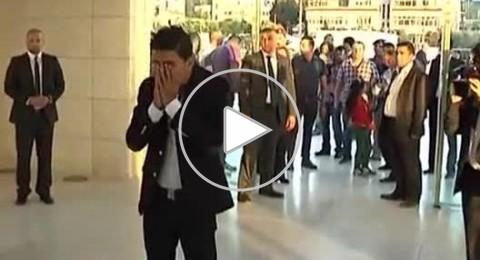 محمد عساف يضع اكليل ورد على ضريح الشهيد ياسر عرفات