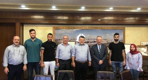 رئيس جامعة النجاح الوطنية يستضيف النائب يوسف جبارين