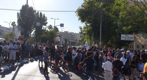 اليهود من أصول اثيوبية يتظاهرون ويغلقون عدد من المفارق الرئيسية في البلاد