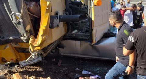 ام الفحم: إصابتان في انقلاب جرّافة على سيّارة