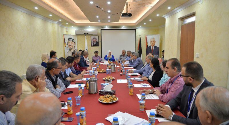 د.غنام خلال اجتماع المجلس التنفيذي للمحافظة : سنتخذ كافة التدابير لتشديد الرقابة على المسابح والمنتزهات العامة