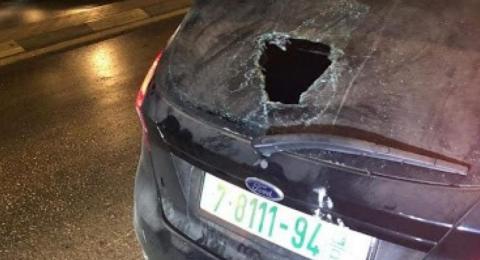إصابة 3 مواطنين وامرأة حامل من الضفة بحجارة المستوطنين قرب رام الله