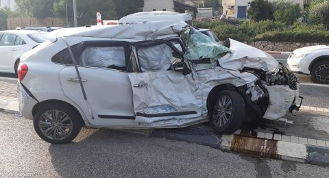 اصابة حرجة لسائق بحادث في العفولة واغلاق شارع 65 قرب المستشفى