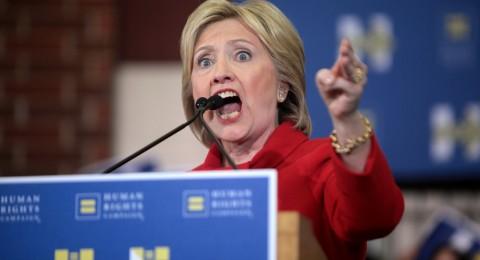 ويكيليكس: تفضح دور كلينتون بالحرب ضد ليبيا