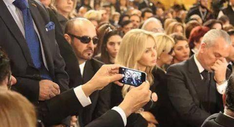 Selfie راغب علامة في مأتم الشحرورة تُثير جدلاً