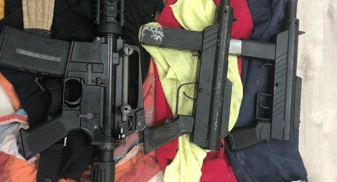 الشرطة تضبط أسلحة غير قانونية مع امراة من باقة الغربية