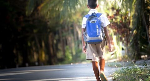 نصيحة أمنية: لا تنشر صور عودة الأبناء إلى المدارس