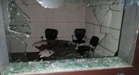 ملثمون يقتحمون مقر تلفزيون فلسطين بغزة ويحدثون خرابا فيه