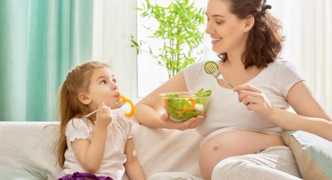 الإفراط في الأكل أثناء الحمل له عواقب وخيمة