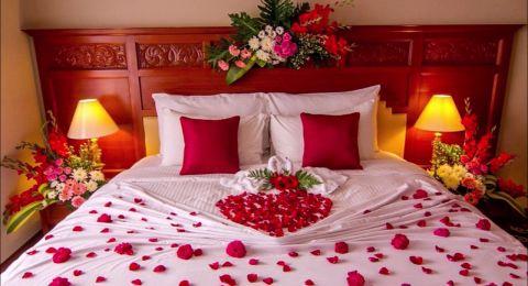 أفكار لتزيين غرفة النوم في يوم الحب
