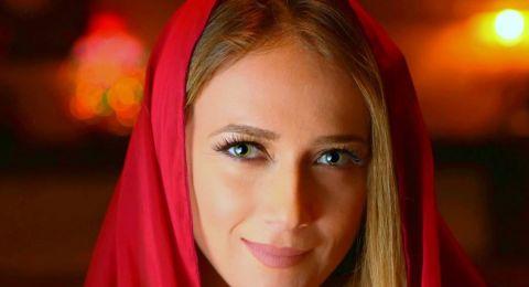 دلال أبو آمنة تطلق رحلتها الروحانية