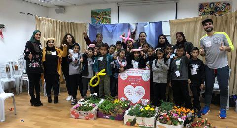 يوم الأعمال الخيرية .. طلاب ابتدائية عرب الهيب يزورون مدرسة الرؤى