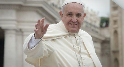هذا ما أراده الشاب الذي حاول الوصول لموكب ملك المغرب والبابا فرنسيس