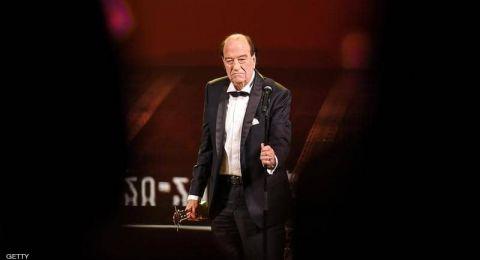 نقيب الممثلين يبرر بغضب: لهذا غاب الفنانون عن جنازة حسن حسني