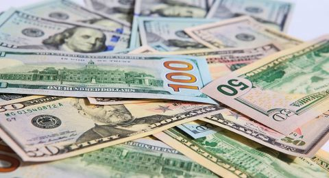 الدولار في وضع صعب