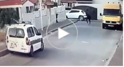 بالفيديو.اطلاق النار على دورية الشرطة في مدينة الطيرة والقاء القبض على المشتبه