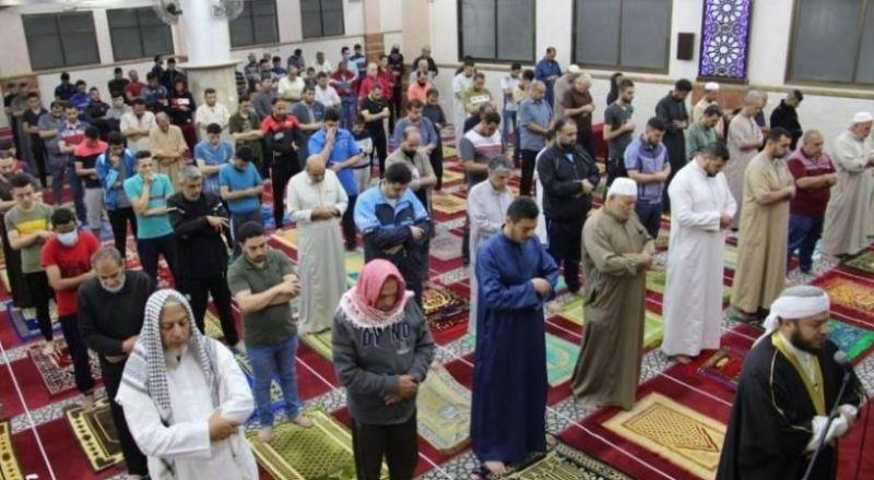 غزة تفتح مساجدها بعد إغلاقها لأكثر من شهرين