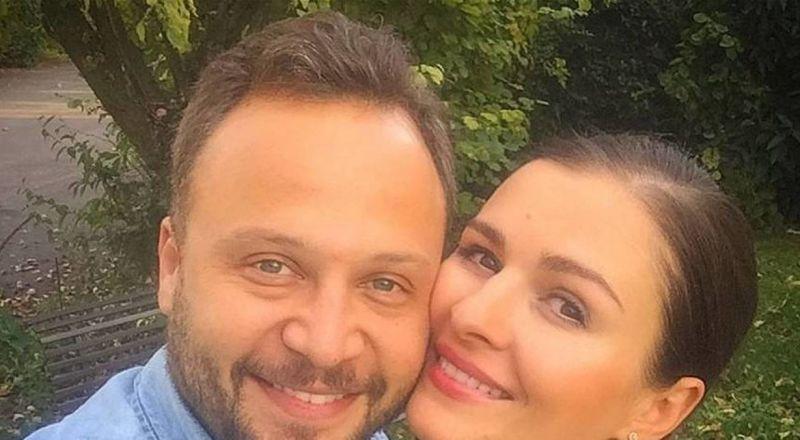 زوجة مكسيم خليل تكشف: كان يرعبني أثناء تصوير