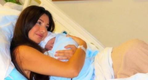 بالصورة- لاميتا فرنجية ومولودها الأول